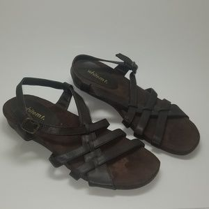 White Mountain Woman's size 8 sandals